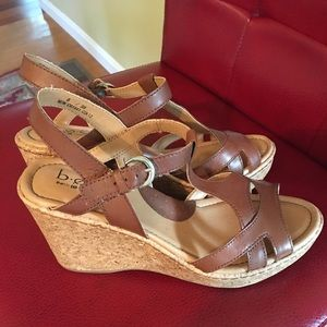 NEW b.o.c. Brown Leather Wedges Sandals 8/39